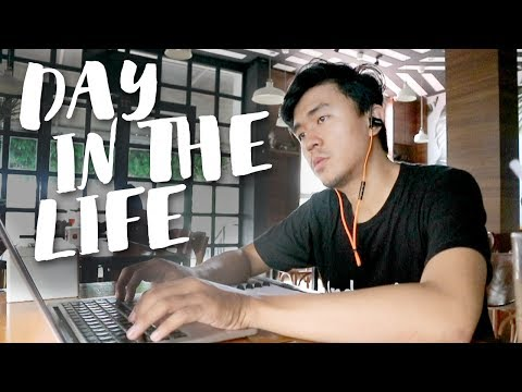A Day in The Life of Freelance Graphic Designer + Youtuber