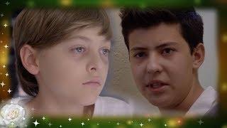 La rosa de Guadalupe: Miguel y Jesús, dominados por la depresión   La puerta correcta