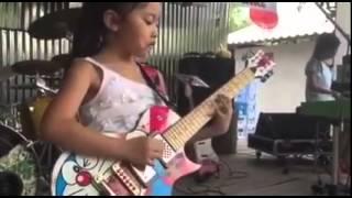 Thai Kids ... เด็กไทยเล่นเพลง ... smoke on the water deep purple