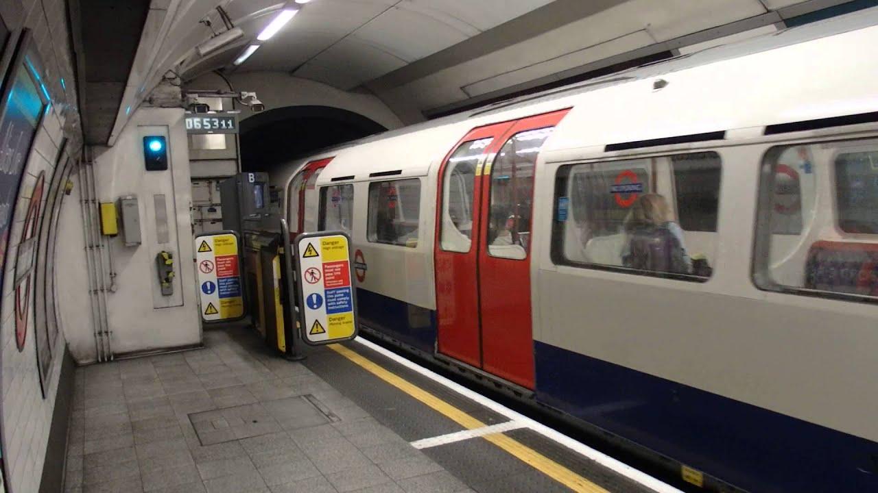 ロンドン地下鉄ベーカールー線19...