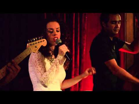 Carmen Porcar Band cover Fallin Alicia Keys Hotel Palace Barcelona