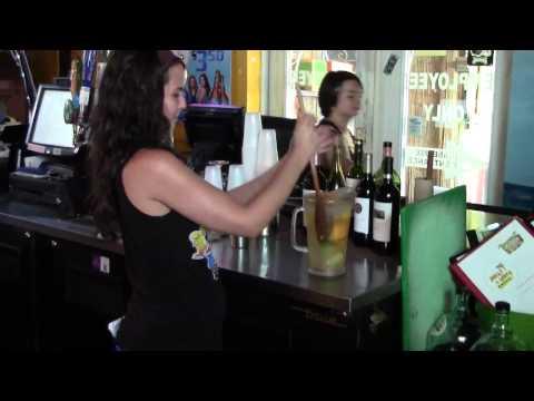 Sangria, wine, beer in Dunedin, FL. Dinner, lunch and live music in Dunedin, Florida