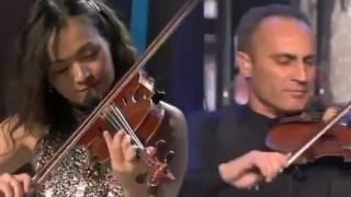 ابداع الموسيقار العالمي ياني رهيييييب  LIVE AT THE ACROPOLIS