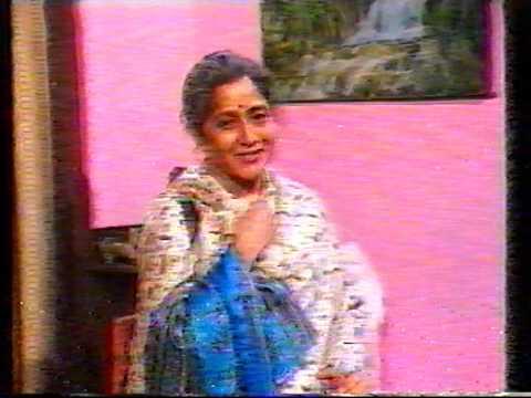Bhakti Barve Tee Phulrani-Aai Retire Hote