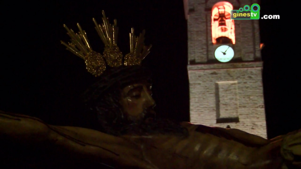 El Via Crucis al Cristo de la Vera Cruz se celebró por primera vez en la plaza de la Merced
