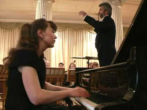 Ivetta Irkha plays 1st mov of Mozart piano concerto 17.mpg