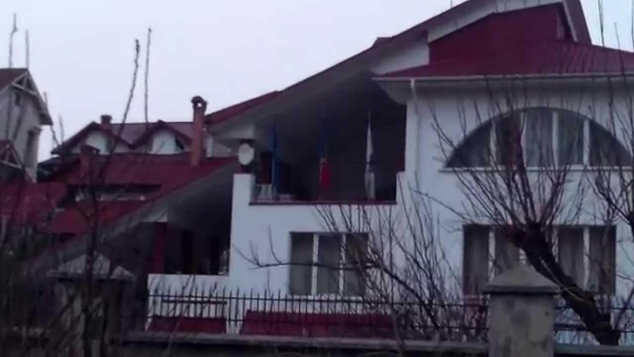 Procurorul Diacov și-a pus trei drapele la terasă