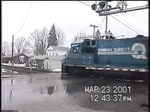CSX B778 has an unusual switching move.3-23-2001