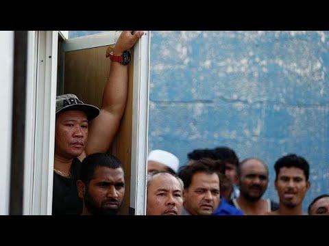مئات آلاف العاملين المخالفين يخشون بطش السلطات السعودية بعد انتهاء مهلة -العفو-  - 22:21-2017 / 8 / 8