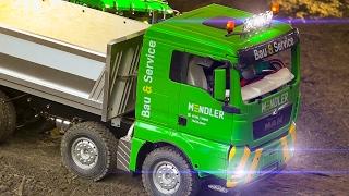 HUGE RC CRANE!! MEGA RC MODEL CONSTRUCTION SITE ACTION *RC TRUCKS*RC EXCAVATOR*HITACHI*MAN