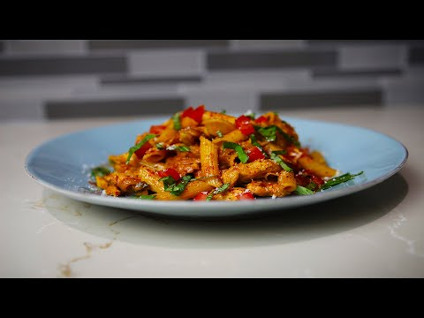 Chicken Pasta With Red Pesto Sauce