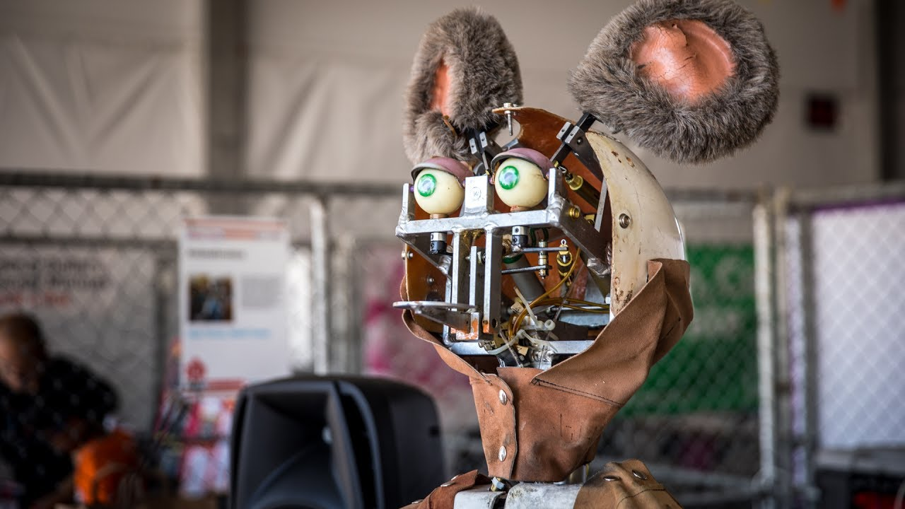 Restoring Showbiz Pizzas Animatronic Robots