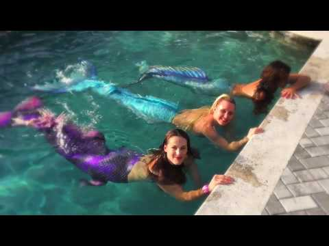 3-mermaids-play:-pool-party-with-swimming-mermaids