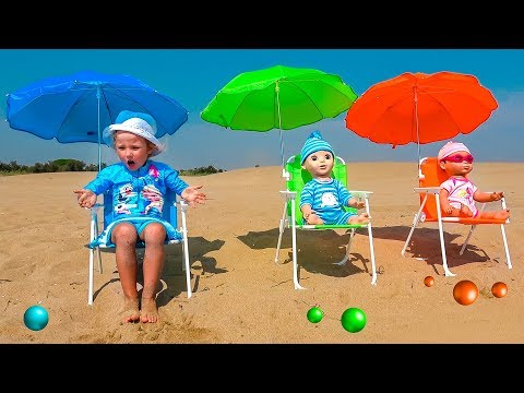 Milusik Lanusik playing with Dolls and Balls Toys