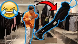 KNOCKING OVER MANNEQUINS AT THE MALL!