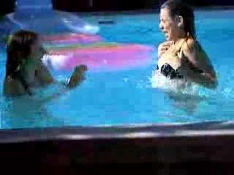 Alice et moi... à la piscine !!!