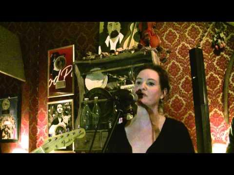 Cecilia Thorngren sjunger Holberg Hotell med Eldkvarn