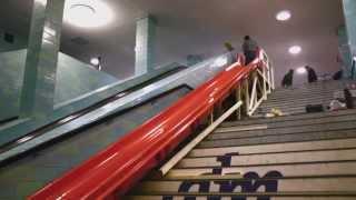 Горка в метро(Представляю данное творение вместо эскалатора на ст. Адмиралтейская, более 100 метров глубиной ), 2014-03-05T18:34:01.000Z)