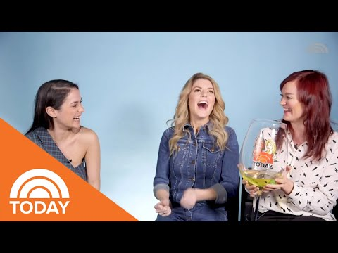 """Grace Helbig & Mamrie Hart On The Idea Behind Their Show """"This Might Get..."""" 