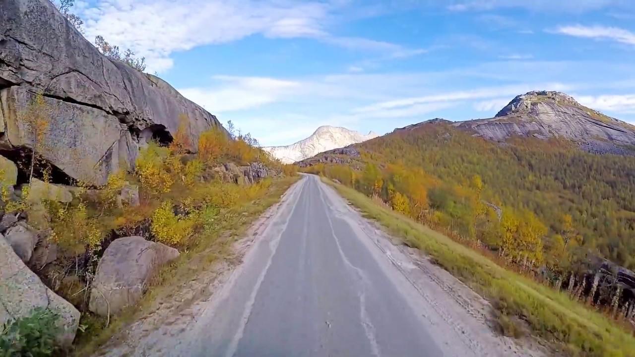 Autumn drive to Gjerdalen in Sørfold