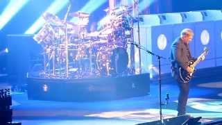 RUSH Distant Early Warning R40 Chicago Illinois United Center 2015 Alex Lifeson