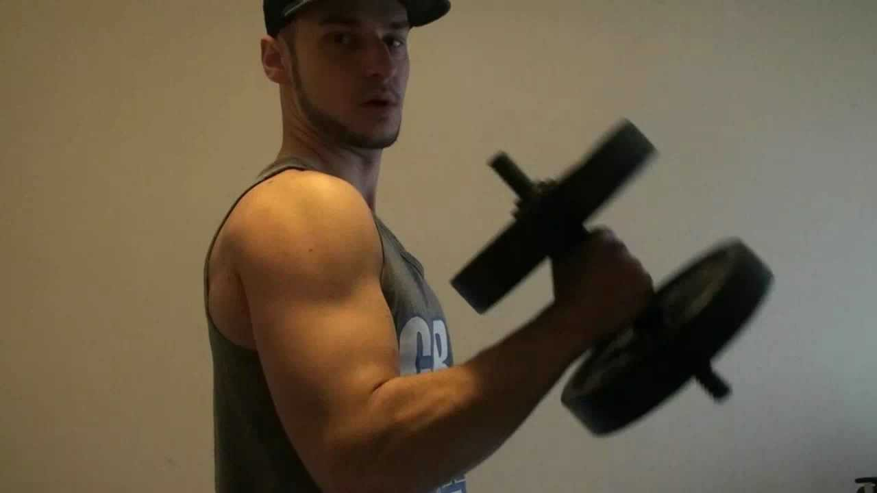 Make Big Triceps At Home With Dumbbells