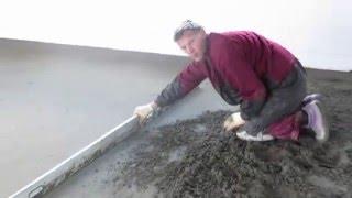 видео СТЯЖКА ПОЛА своими руками #УстановкаМаяков РАСХОД цементно песчаная стяжка пола, устройство стяжки