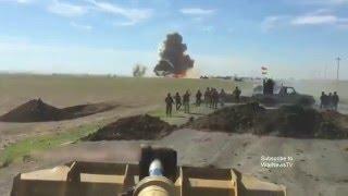 Ирак камикадзе идет на таран бронеколонны