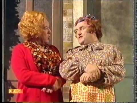 Les Dawson - Cissie & Ada - Chatting on the Doorstep