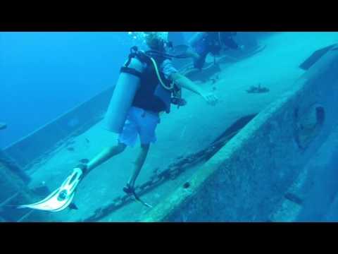 scuba diving Cayman