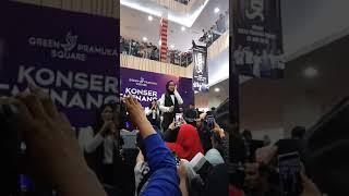 Download Lagu Ya Maulana - Nissa Sabyan Menangis Haru di atas Panggung Konser Kemenangan Mp3