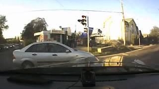 Дорожные войны!=На светофоре зеленый - и газ до упора=