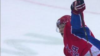Первый гол 18-летнего Кузьменко в КХЛ 18-year-old Andrei Kuzmenko scores his first KHL goal