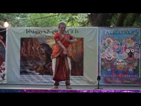 Rathayatra 2010 - Bharatnatyam Dance - Surata - 13/14
