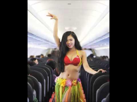 Tiếp viên hàng không VietJet Air múa bikini bốc lửa trên máy bay