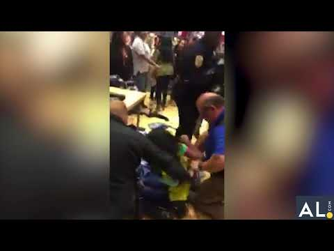Thanksgiving night fight shuts down Riverchase Galleria mall early