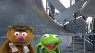 The Muppets in London - Kermit and Fozzie inside the Big Ben Clock Tower shaking to Chimes