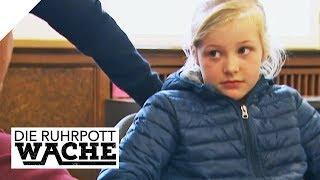 Kiffer (17) zwingt kleine Schwester (9) zum Pfandflaschen sammeln | Die Ruhrpottwache | SAT.1 TV