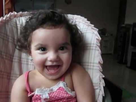 Amy elizabeth arevalo mi bebe de 1 a o y 4 meses for Jardineira bebe 1 ano