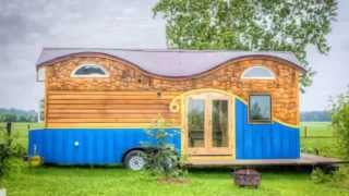 Family Of 4's 208 Sq. Ft. Pequod Tiny House