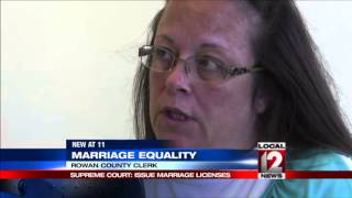 Supreme Court rules against clerk in gay marriage case