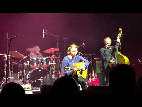 "Ben Howard ""She Treats Me Well"" live 2015"