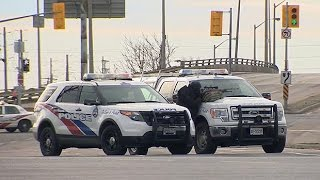 Toronto police shoot bank robbery suspect