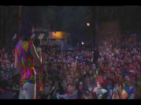 Modern Romace (live) - Yeah Yeah Yeahs