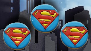 Learn how to decorate these simple Superman inspired sugar cookies ...