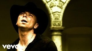 Смотреть клип Kenny Chesney - You Save Me