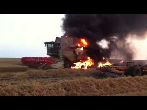 Claas lexion 580+ going up in smoke