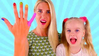 Learn colors with Baby and Mom paints Nails Color Toys for Children with Music for Kids