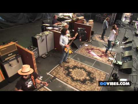 """The Black Crowes performs """"Hotel Illness"""" at Gathering of the Vibes Music Festival 2013"""