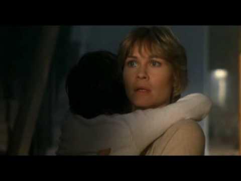 Sherri Marengo - Dee Wallace Stone- THE movie mom in E.T.